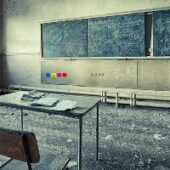 GFG Old School Classroom Escape